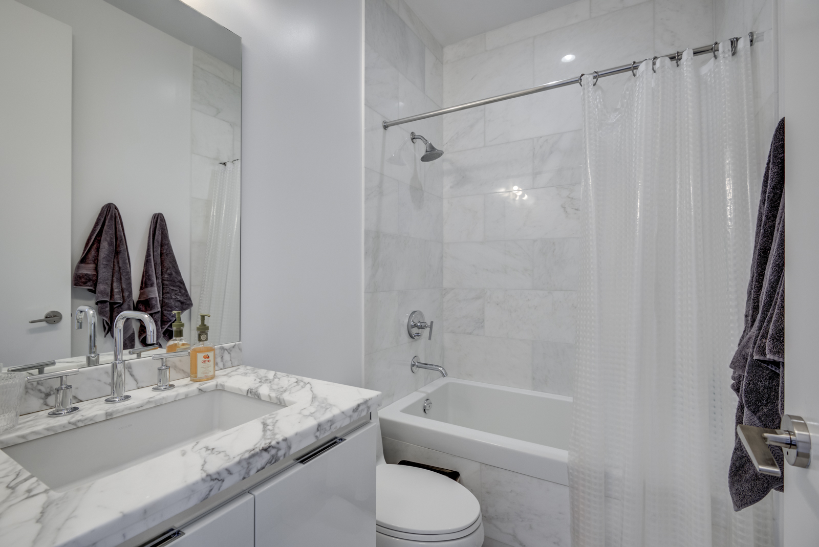 Photo of 2nd bathroom and while smaller it's still rather stunning.