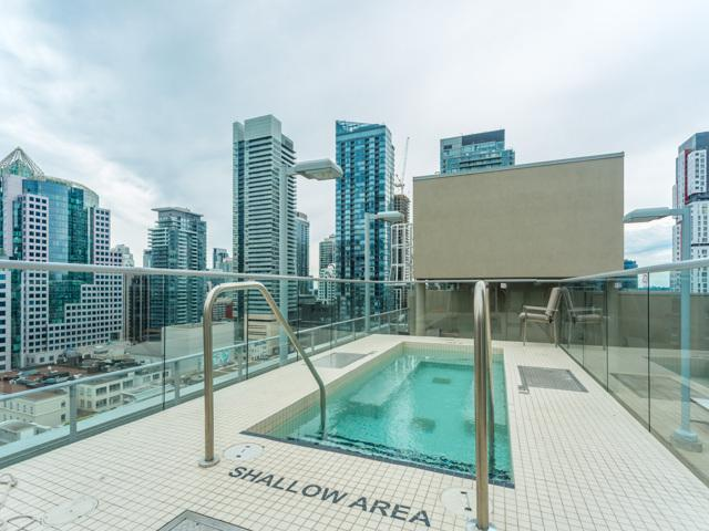 Rooftop pool with stunning view of Toronto