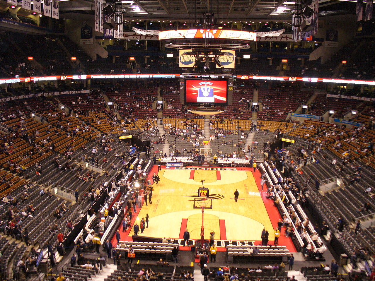 Entertainment District - Photo of inside of the Air Canada Centre and basketball court