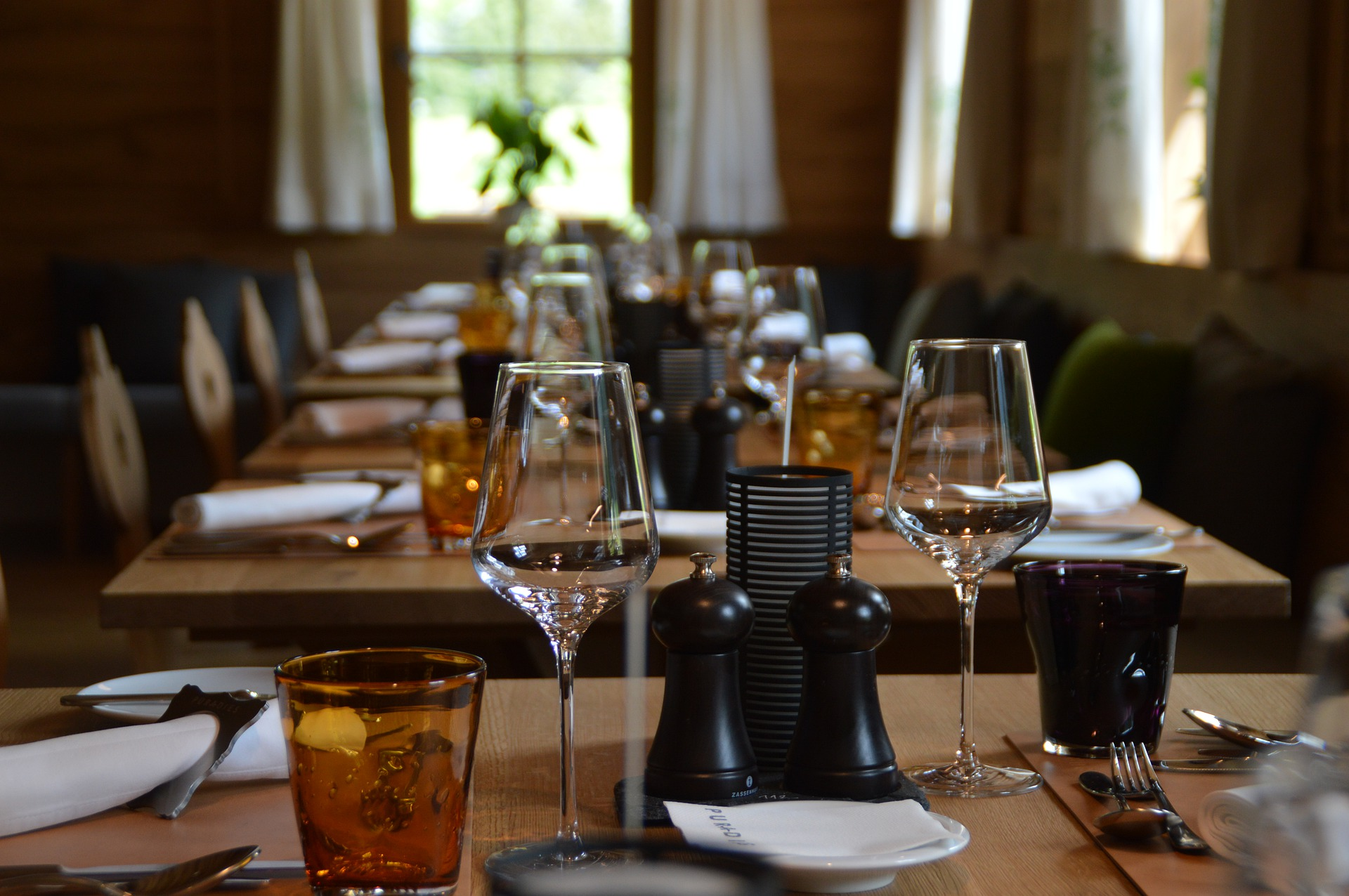 Photo of restaurant table and glasses