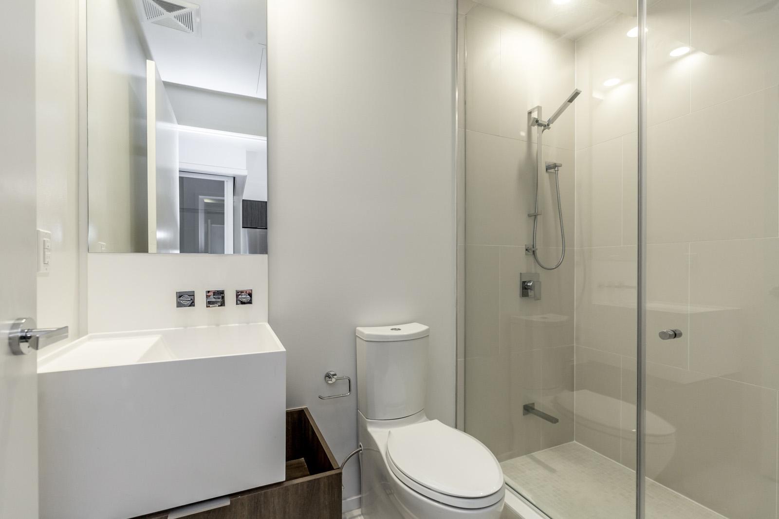 1 Bloor's bathroom