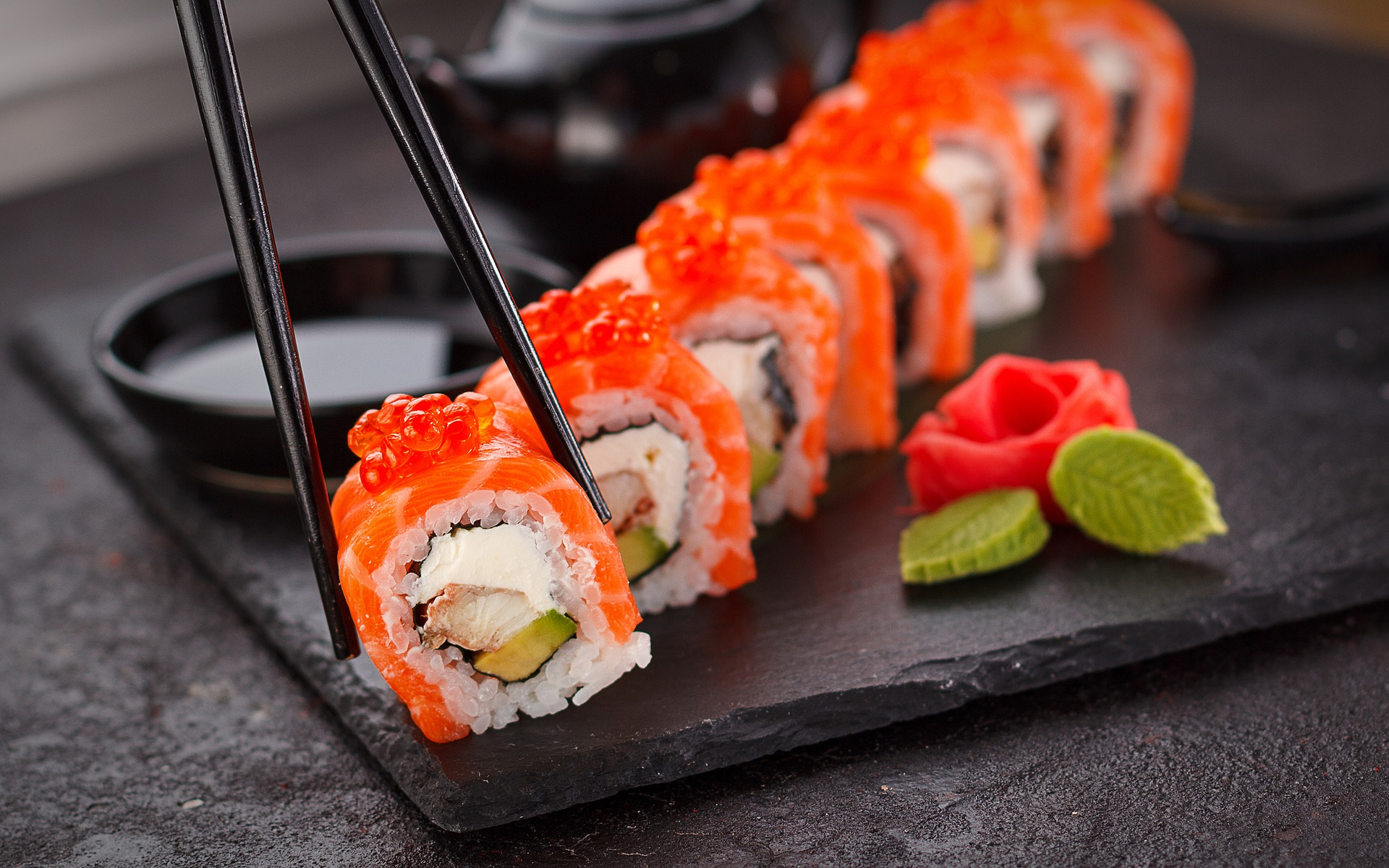 King West is home to several sushi restaurants (Image Credit: Pixabay).