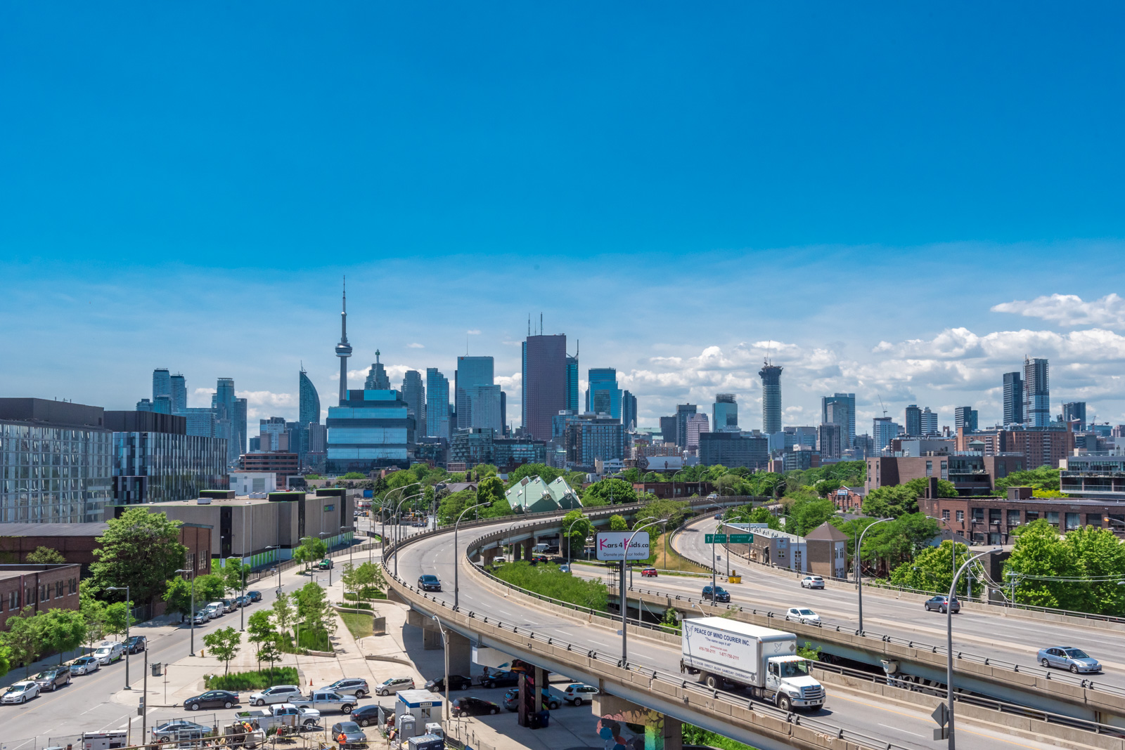 Finally, we have a photo of the Toronto skyline.