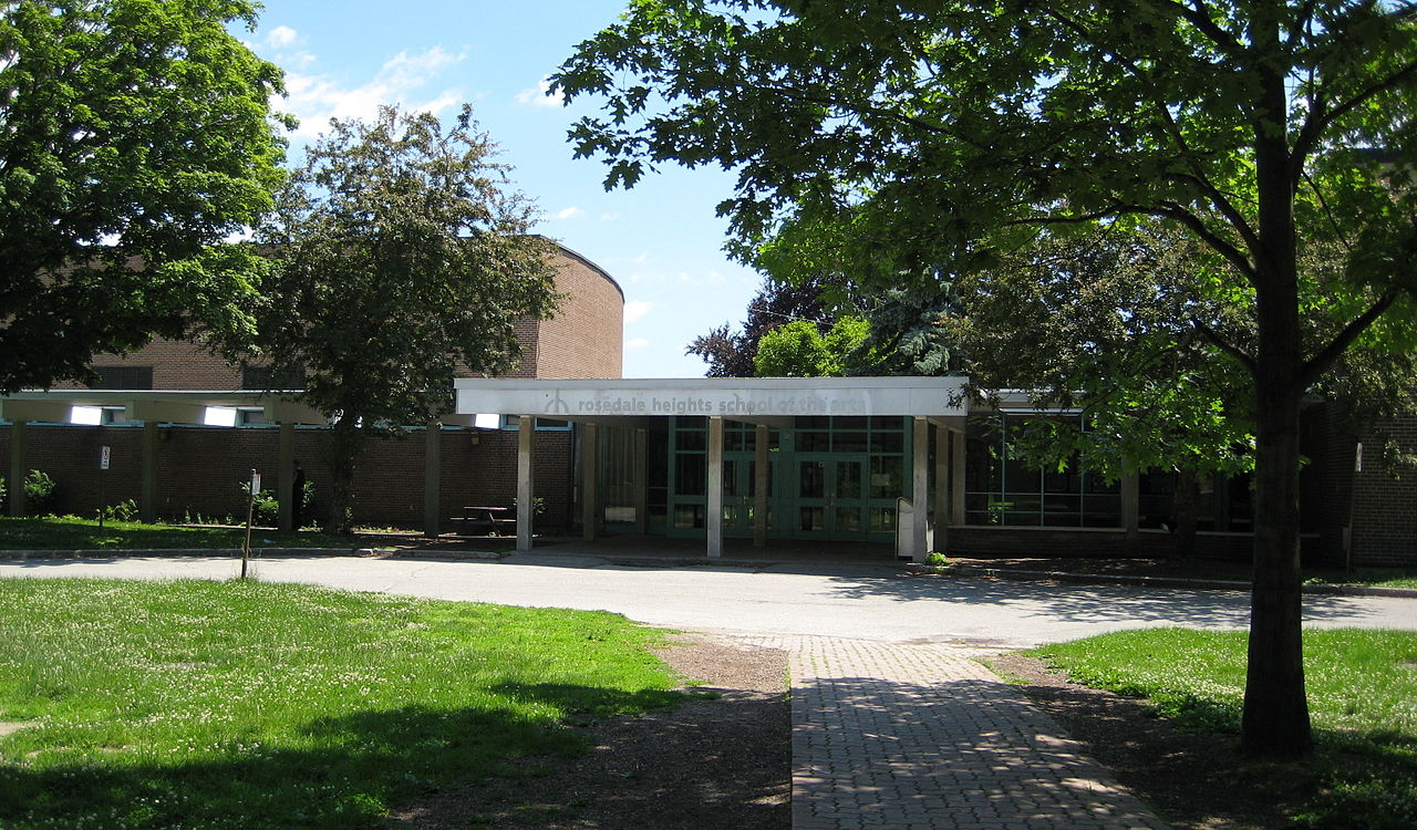 Picture of Rosedale Heights school and front entrance.