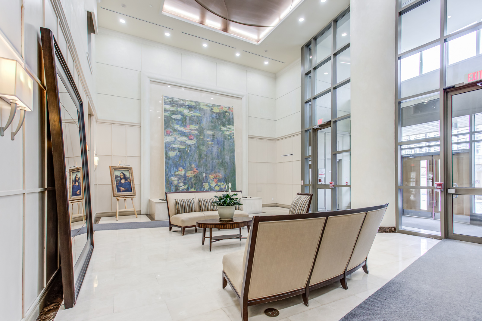 18 Holmes Avenue Lobby with portrait of Mona Lisa Residences