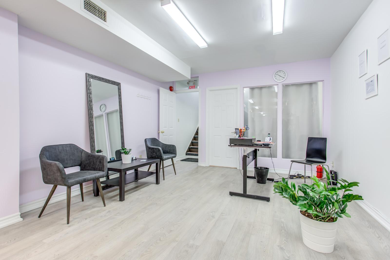 642 queen st w hair salon waiting area