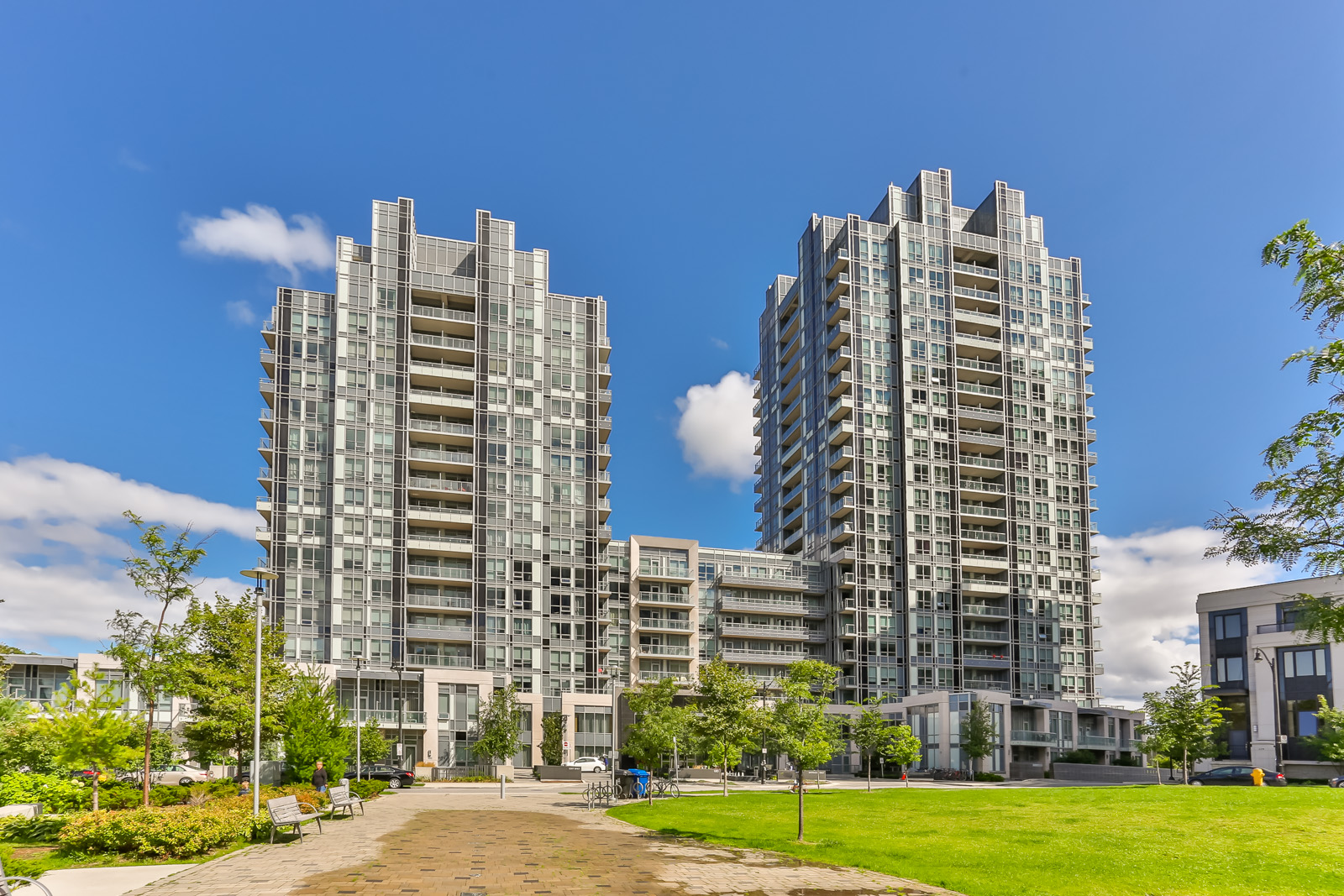 Outside photo of Aristo at Avonshire condos at 120 Harrison Garden Blvd in North York, Toronto