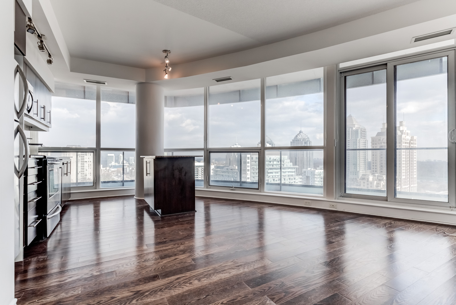 Unit 1106 and its huge floor-to-ceiling windows.