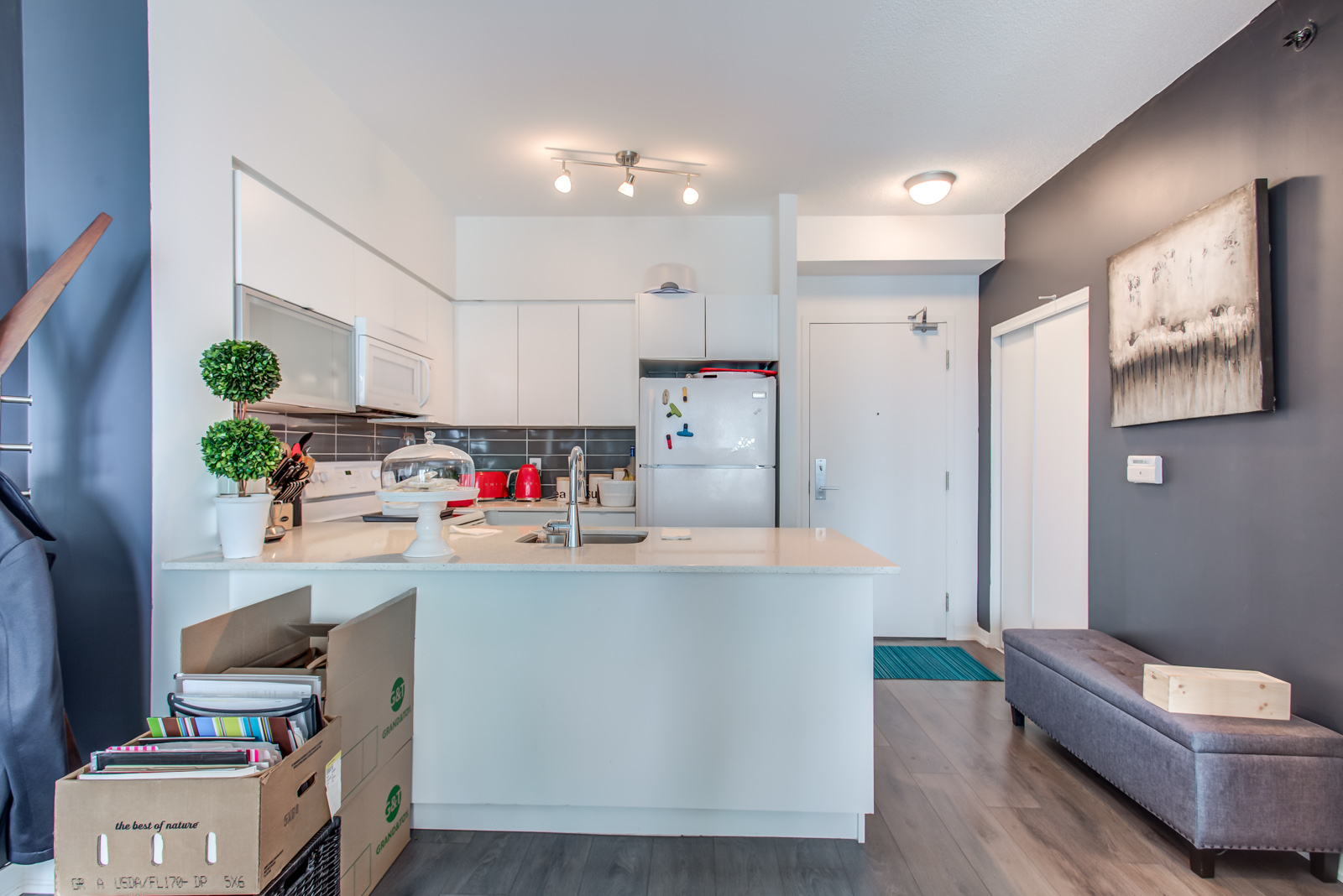 150 East Liberty St Unit 1616 kitchen.