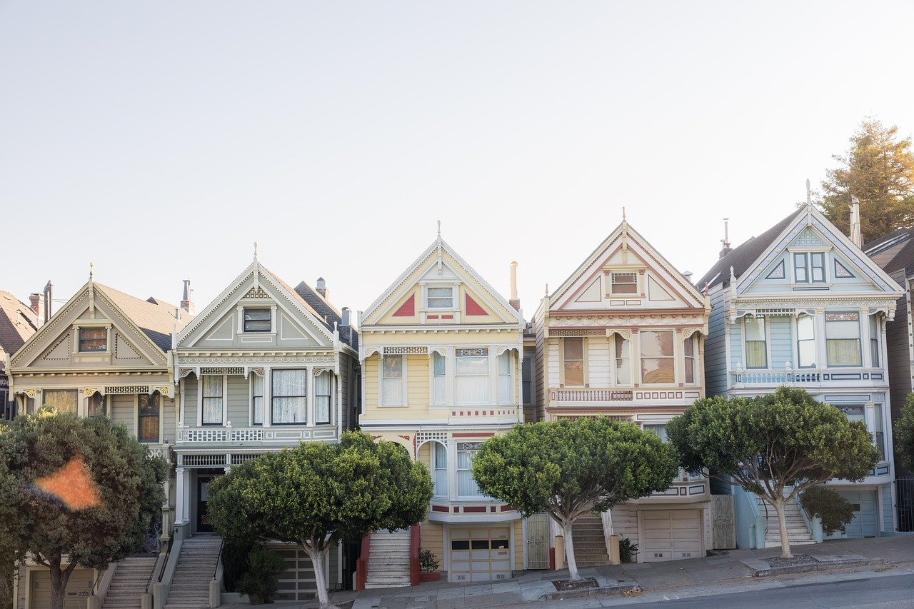 Slanted row of colourful houses in San Francisco.