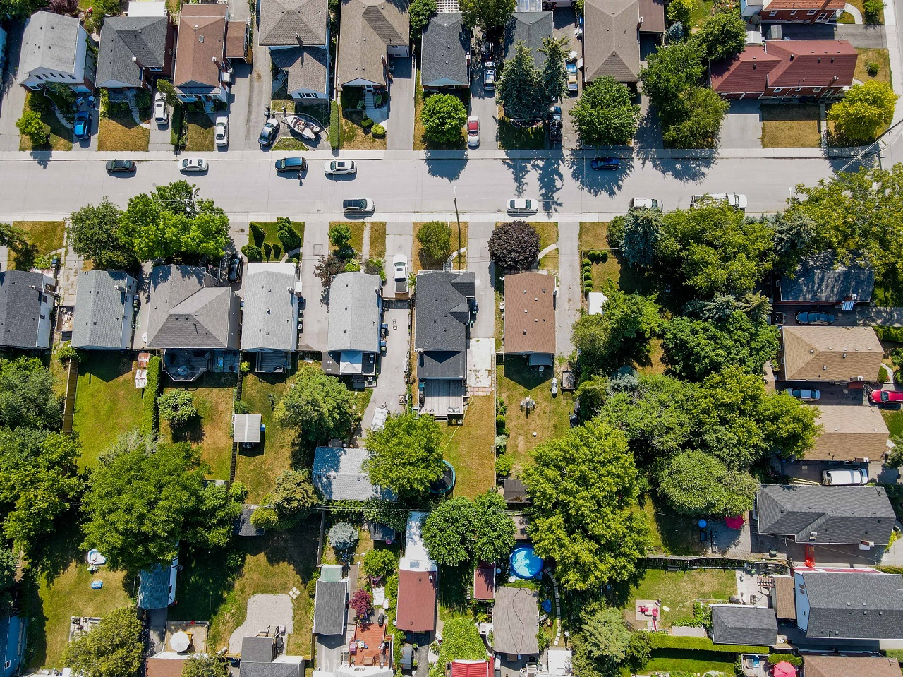 Aerial photo of houses in suburbs of Toronto.