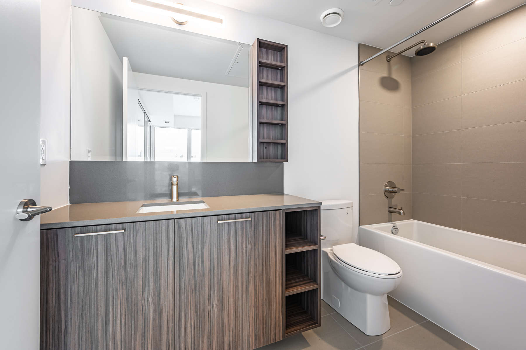 Modern ensuite bath - 19 Western Battery Rd.