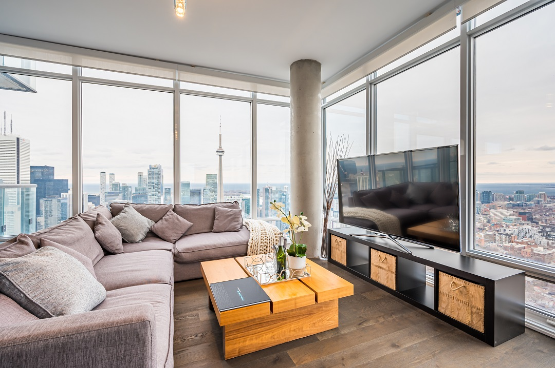 488 University Ave 4610 - living room windows with view of city and CN Tower.