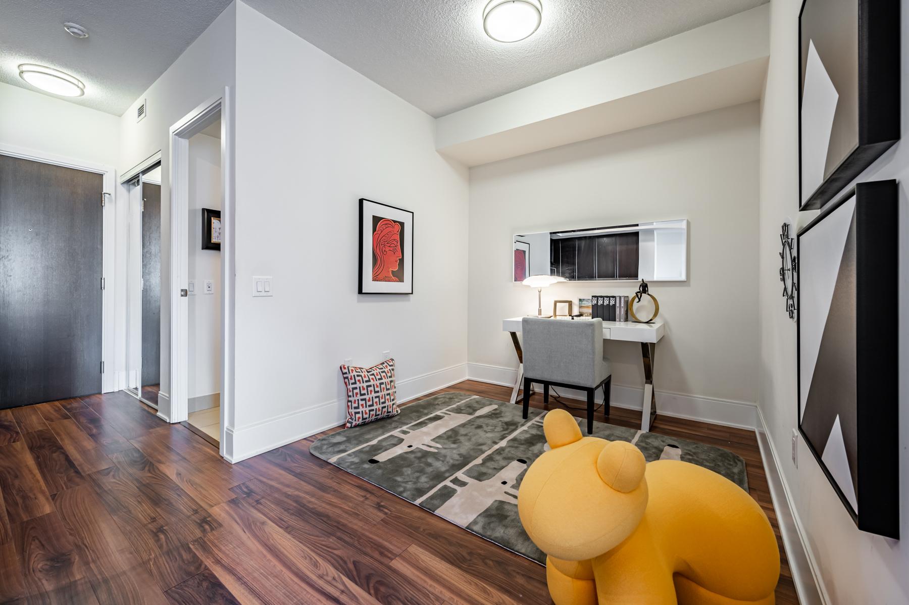 560 Front St W Suite 622 open-concept den next to bathroom.