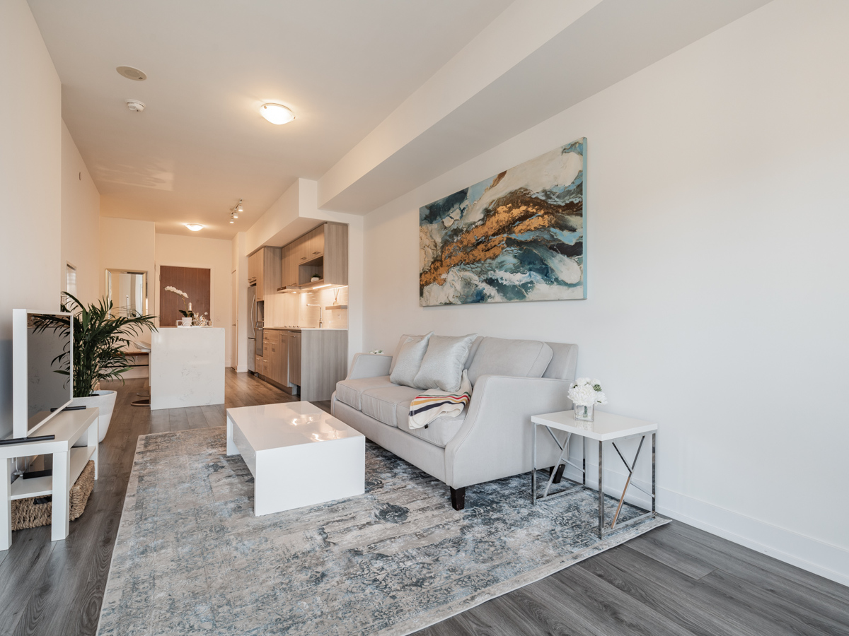 170 Chiltern Hill Suite 410's open-concept living room and kitchen.