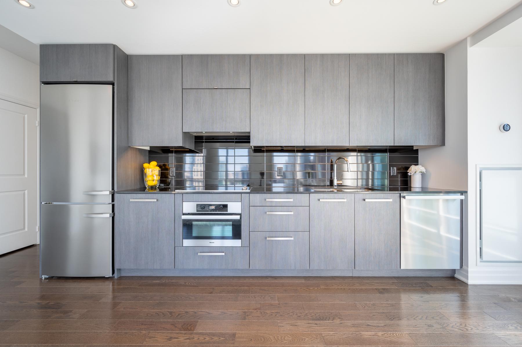 Modern kitchen by Studio Munge – 8 The Esplanade Ave Unit 3305.