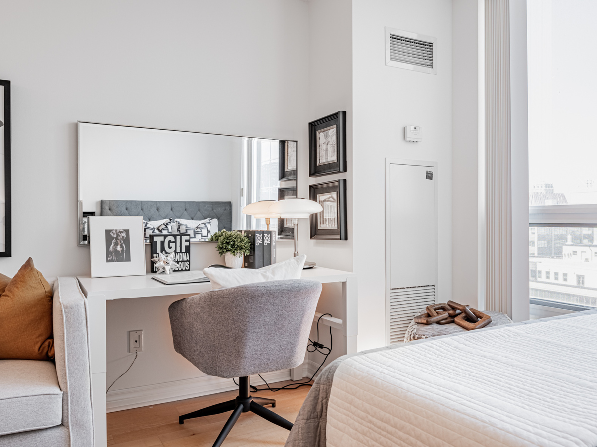 Bedroom with work station – 763 Bay St Suite 1614.