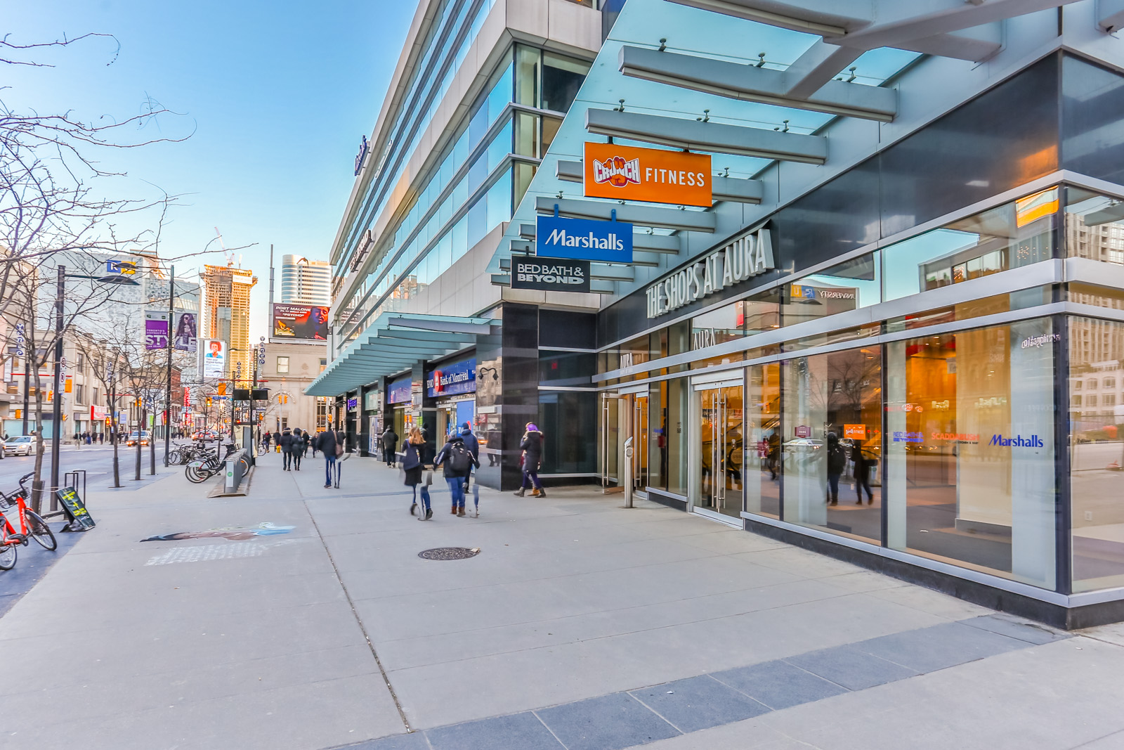 Shops and pedestrians in Toronto.