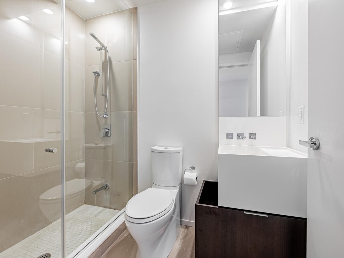 1 Bloor St E Unit 3409 second bathroom.
